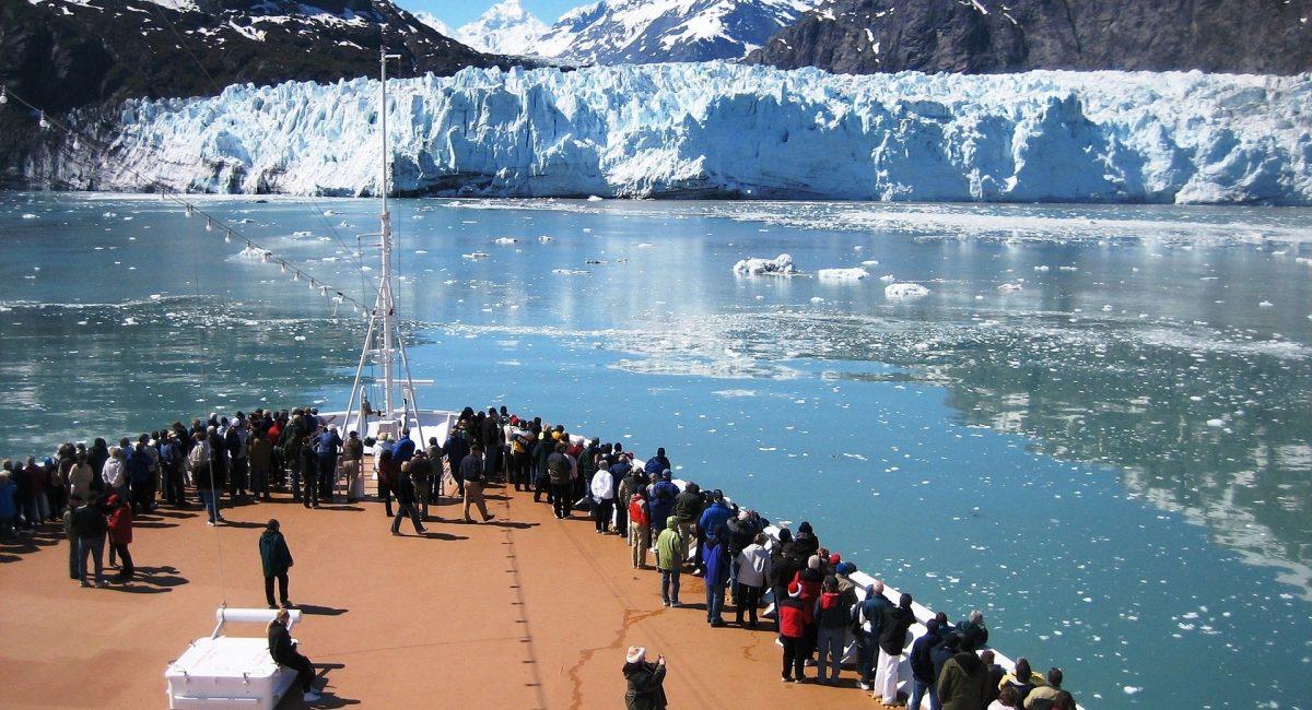 cruise-ship-1253272_1920